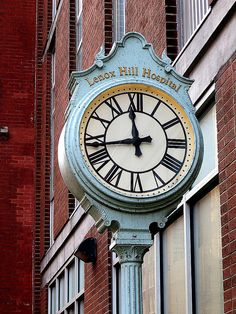 Lenox Hill Hospital clock, 100 East Street (between Park and Lexington avenues), New York City. Big Clocks, Lenox Hill, Unusual Clocks, Lexington Avenue, Time Stood Still, Time Of Your Life, Antique Clocks, New York City, Cool Pictures