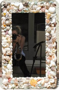 Glue pretty seashells to the front of a wood-frame mirror to make a classic seashell mirror. 55 Incredibly Clever DIYs You'll Actually Want To Try Seashell Frame, Seashell Art, Seashell Crafts, Beach Crafts, Wood Framed Mirror, Diy Mirror, Oyster Shells, Sea Shells, Cheap Mirrors