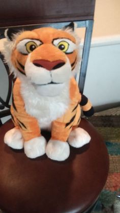 Disney Store Exclusive Aladdin Jasmine RAJAH Tiger Plush Stuffed Animal #disneyplush #rajah #jasmine