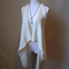 Super soft fuzzy cream drapey vest Love by Design. Nylon. Machine washable. Gorgeous. And in great condition. Love by Design Tops