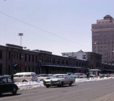 18 retro photographs of Calgary from the Looking West at the CPR Station and Palliser Hotel from Street SE, ca. Library Pictures, Canadian Pacific Railway, New City, Alberta Canada, Aerial View, Rocky Mountains, Calgary, Tourism, Old Things