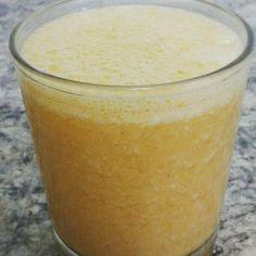 Rawpuchino. Calabaza helada, un platano, leche de almendras y canela. Probar caliente y con avena.