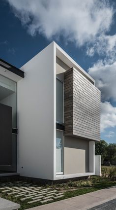 The R+P House by ADI Arquitectura y Diseño Interior in Aguascalientes City, Mexico is a contemporary residence you just have to see! Apartment Chic, Apartment Design, Minimalist House Design, Modern House Design, Facade Design, Exterior Design, House Front Design, Modern House Plans, Facade House