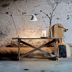 Louis Poulsen NJP lampe de table 2 700 K blanche Japan Design, Design Studio, Design Japonais, Residential Lighting, I Love Lamp, Diffused Light, Interior Design Inspiration, Scandinavian Design, Floor Lamp