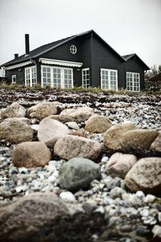 Interior crisp: Intelligent living: A cottage in Denmark