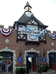 Hershey Park, Pa    I absolutely LOVE this placee!! You get to taste test chocolate!!! <3