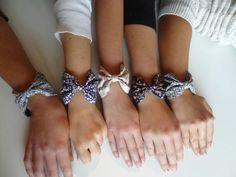 Utiliser le même tissu pour ce bracelet que le noeud papillon de Titou