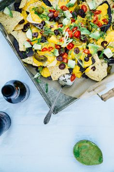 OMG-vegan butternut queso on nachos! Vegan Foods, Vegan Dishes, Vegan Vegetarian, Vegetarian Recipes, Vegan Sauces, Vegan Queso, Vegan Nachos, Vegan Cheese, Mexican Food Recipes