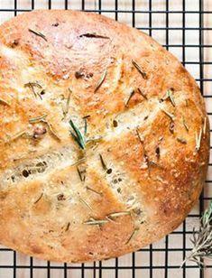 Artisan Bread Recipes, Bread Machine Recipes, Bread Flour Recipes, Bread Machine Garlic Bread Recipe, Easy Bread Recipes, Garlic Bread Recipes, Roasted Garlic Bread Recipe, Ciabatta Bread Recipe, Healthy Recipes