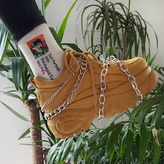 Timberland Boots, an American Icon ~ Fashion & Style Neo Grunge, Grunge Style, Soft Grunge, Sneakers Fashion, Fashion Shoes, Shoes Sneakers, Fashion Outfits, Icon Fashion, Parisian Fashion