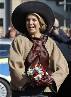 Queens & Princesses - After leaving Denmark, King Willem Alexander and Queen Maxima went to Germany, where they must visit for two days regions Schleswig - Holstein and Hamburg.