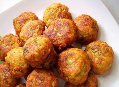 Roast Zucchini, Vegan Zucchini, Greek Recipes, Light Recipes, Zuchinni Fritters, Cooking Recipes, Healthy Recipes, Cooking Time, Healthy Foods