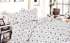 Спално бельо в бяло и нежни листа. Комплект спално бельо  от 6 части с бяла основа и нежни листа в два цвята. Нежен десен който ще внесе свежест в спалнята ви. Нежната и мека материя на сатенирания памук допринася за уюта и комфорта на вашия сън.