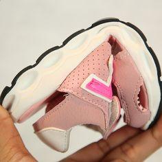 f1e3b40e0ef 2018 móda Nová top móda letní chlapci dívky sandály pohodlné prodyšné  chladné dětské tenisky příležitostné děti dětské boty
