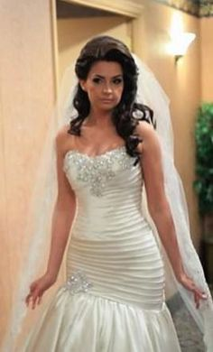 Pnina Tornai 10: buy this dress for a fraction of the salon price on PreOwnedWeddingDresses.com