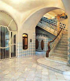 Le migliori 33 immagini su luoghi da visitare barcellona for Architettura moderna case