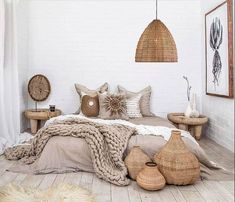 17 Scandinavian Bedroom Designs That Will Thrill You is part of Scandinavian design bedroom - Today we present some beautiful pictures of Scandinavianstyle bedrooms Scandinavian style in the interior is primarily mix of simplicity, functionality Scandinavian Bedroom Decor, Neutral Bedroom Decor, Cozy Bedroom, Summer Bedroom, Modern Bedroom, Natural Bedroom, Bedroom Beach, Urban Chic Bedrooms, Scandinavian Design