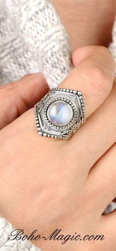 Luna Azure Colored Zirkonia and 925 Sterling Silver Flower Shape Vintage Diamond-Cut-Style Adjustable Ring Women Girls Gift Present Jewelry /…