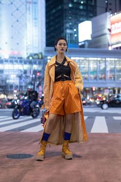 The Street Style At Tokyo Fashion Week Is Giving Us Major Fashion Inspiration - fashion Tokyo Fashion, Japan Street Fashion, Korean Street Fashion, Harajuku Fashion, Harajuku Style, Fashion Fashion, Fashion Ideas, Street Style Store, Asian Street Style