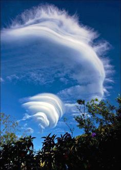 Amazing cloud formation - Lenticular cloud formation on Balis largest volcano Gunung Agung.