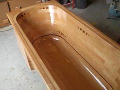 Building a wooden bathtub