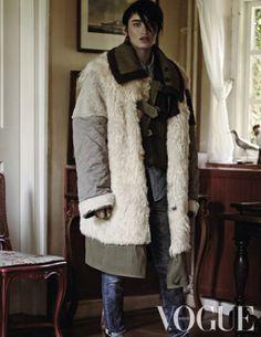 Vogue Oktober 2014: Legends of the Fall. Photographer: Duy Vo, Styling: Marije Goekoop.