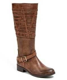 Detailed Boot | a lot of unique boot designs on this site. Fun to find something different and eye catching.