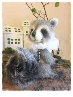 Raccoon Alvis By Sadovska Tetiana - Bear Pile