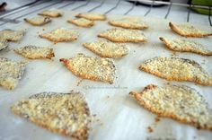 Delicious, crispy and healthy eggplant chips! Perfect for kids, to substitute junk food
