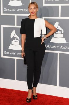 The 2013 Grammy Awards- Beyonce looking polished in her colorblock bw outfit!
