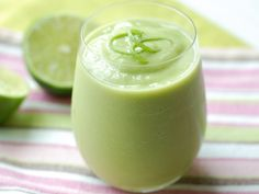 Avocado and Coconut Water Smoothies Ingredients 2 cups coconut water, chilled 2 ripe avocados, pitted, peeled and cut into pieces 3 tablespoons agave nectar 2 teaspoons fresh lime juice Coconut Water Smoothie, Avocado Smoothie, Juice Smoothie, Smoothie Drinks, Fruit Smoothies, Healthy Smoothies, Healthy Drinks, Smoothie Recipes, Healthy Recipes