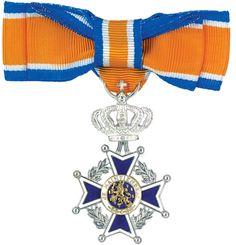 Vier koninklijke onderscheidingen in Uitgeest