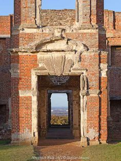 After the rain stopped on Thursday, I decided on a walk to Houghton House. I started through Ampthill Park, where I saw and heard lots of small birds and Houghton House, Photo Essay, Abandoned Places, New Homes, Walking, Doors, Adventure, Park, Tv