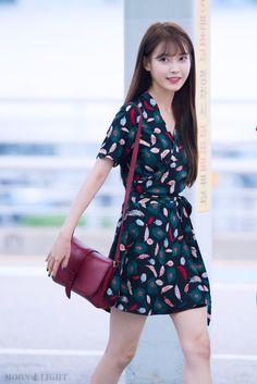 埋め込み画像 Kpop Fashion, Daily Fashion, Korean Fashion, Fashion Outfits, Airport Fashion, Korean Celebrities, Celebs, Kpop Mode, Ulzzang Hair
