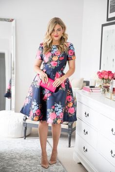 Adorable And Elegant Fashion For Fall With Flower Dress Style 15 Flower Dresses, Pretty Dresses, Beautiful Dresses, Mode Outfits, Night Outfits, Modest Fashion, Fashion Dresses, High Fashion, Floral Fashion