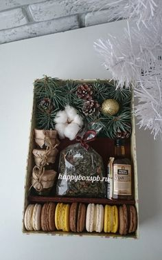 DIY Personalized Gift Basket For Anyone, Girlfriend, Kids, Mom Etc - Owe Crafts Christmas Gift Box, Christmas Mood, Cute Gifts, Holiday Gifts, Gift Hampers, Gift Baskets, Homemade Gifts, Diy Gifts, Personalised Gifts Diy