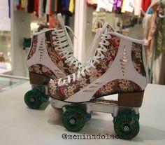 Resultado de imagem para patins de rua Roller Derby, Roller Skating, Ice Skating, Skate Girl, Skate 3, Glow Shoes, Quad Squad, Roller Skate Shoes, Quad Skates