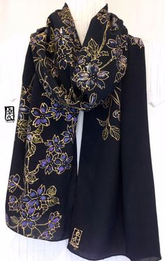 Hand Painted Silk Scarf Black Silk Scarf por SilkScarvesTakuyo, $135.00