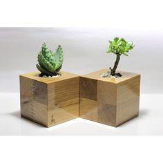24 Wonderful Wooden Home İdeas - Room Dekor 2020 Wooden Planters, Indoor Planters, Flower Planters, Planter Boxes, Wooden Kitchen Signs, Tree Plan, Craftsman Furniture, Wooden Chopping Boards, Wood Vase