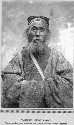 Taoist mendicant