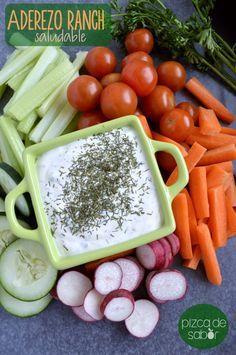 Cómo hacer un aderezo ranch versión saludable  www.pizcadesabor.com 5 W, Natural Yogurt, Veggie Recipes, Vegetarian Recipes, Healthy Recipes, Cooking Recipes, Dip Recipes, Sauce Recipes, Healthy Snacks