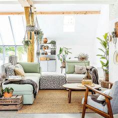 Los sofás modulares me encantan igual te montas un rincón relax que una cama extra. Os gustan? A mi me parecen súper prácticos. @ikeaspain