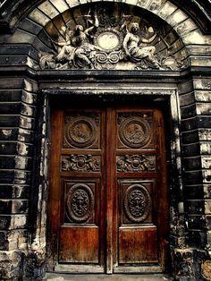 Abriendo Puertas y Ventanas...    tokyo-bleep