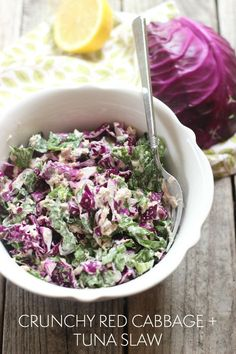 A quick and simple summer time lunch: crunchy red cabbage and tuna slaw // Natasha Red