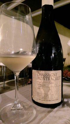 Un verre de France. Santé! #LesChenevottes2011  #ChassagneMontrachet #PremierCru Pierre-Yves Colin-Morey