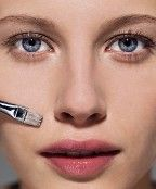 Great article!  7 makeup application do's and dont's!  I got a few things right, like using liquid foundation and applying with a brush!