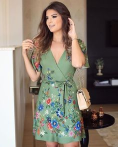Discover recipes, home ideas, style inspiration and other ideas to try. Simple Dresses, Cute Dresses, Beautiful Dresses, Casual Dresses, Short Dresses, Casual Outfits, Summer Dresses, Dress Skirt, Dress Up