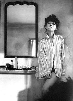 Mariko Kaga dans Monday girl (Getsuyoubi No Yuka) - 1964 - Un film japonais de… Smoking Ladies, Girl Smoking, Japanese Beauty, Asian Beauty, Japanese Film, Ccbb Rio, Portraits, Jolie Photo, Brigitte Bardot