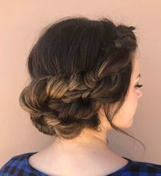Beautiful Knotted updo wedding hairstyle for romantic brides - Bridal hairstyle. Get inspired by this low updo bridal hair gorgeous styles,hair down Best Wedding Hairstyles, Pretty Hairstyles, Braided Hairstyles, Bridesmaid Hair, Prom Hair, Inspo Cheveux, Bridal Hair Updo, Wedding Hair Inspiration, Belleza Natural