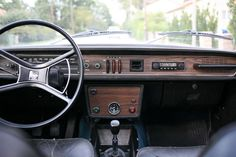 Volvo 140 DL 1972 Volvo Cars, Cars And Motorcycles, Classic Cars, Automobile, Car Interiors, Office Desk, Vehicles, Europe, Passion